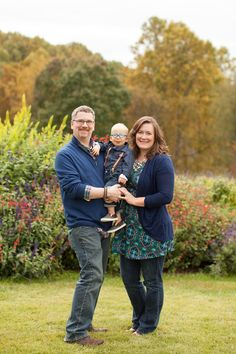 what to wear for fall family portraits | wardrobe ideas | Limefish Studio Photography | Northern Virginia | Lake Monticello | Charlottesville