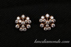 Diamond Earrings Indian, Diamond Jhumkas, Diamond Earrings For Women, Gold Jhumka Earrings, Jewelry Design Earrings, Gold Jewellery Design, Ear Jewelry, Diamond Jewellery, Gold Jewelry
