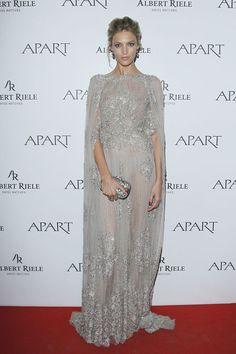 Perłowy jubileusz marki Apart- Anja Rubik w sukni Elie Saab, fot. Akpa