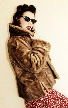 Vintage 1940s FUR coat - 40s mink coat BROWN