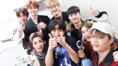 Thien Tuyet~ (The win in Music Bank) Chanbaek, Exo Ot12, Kaisoo, Baekhyun Chanyeol, Kpop Exo, Exo K, Exo Dear Happiness, Exo Group Photo, Luhan And Kris