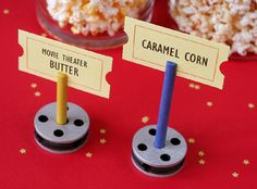 Etiquetas perfectas para la mesa de tu fiesta cine! / Perfect labels for your Hollywood party table!