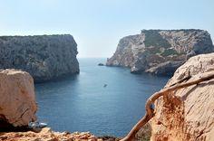 http://beachcomberpete.com/home/wp-content/uploads/2011/10/Piana-Island-Alghero-Sardinia-Italy.jpg