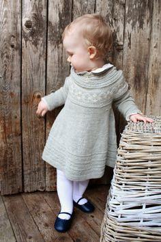 Kjempe søt kjole til liten pike
