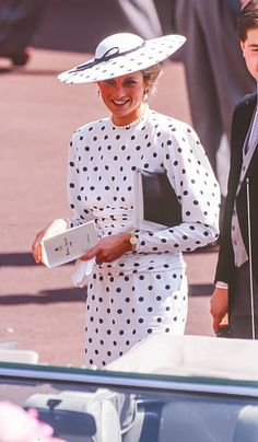 2,394 Princess Diana White Photos and Premium High Res Pictures Princesa Diana, Red Polka Dot Skirt, Polka Dots, Beautiful Prom Dresses, Nice Dresses, Princess Diana Pictures, English Girls, Royal Clothing, Affordable Prom Dresses