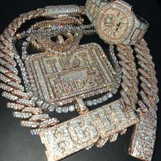 Gold Diamond Watches, Diamond Jewelry, Gold Watches, Rapper Jewelry, Versace, Luxury Jewelry, Unique Jewelry, Hip Hop, Gold Chains For Men
