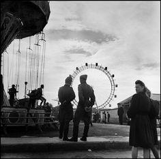 David Seymour AUSTRIA. Vienna. Prater. 1949. Soviet soldiers.