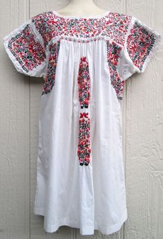 VTG 70s Oaxacan Hippie Boho Mexican Embroidered Festival White & Floral Dress L