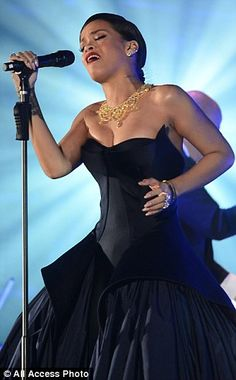 RIHANNA Performs at Annual Diamond Ball Benefitting The Clara Lionel Foundation in Beverly Hills Rihanna 2014, Best Of Rihanna, Rihanna Photos, Rihanna Fenty, Evening Dresses, Prom Dresses, Formal Dresses, Feminine Style, Types Of Fashion Styles