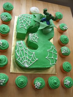 Hulk cake, Can I do this? I don't quite get the spider webs but I like this cake    Visit www.fireblossomcandle.com for more party ideas!