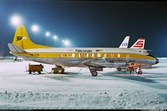 Dazzling Vintage Aircraft: The Major Attractions Of Air Festivals Great Pictures, Cool Photos, Vintage Props, Vintage Games, Air Festival, Sweden Travel, Aviation Industry, Commercial Aircraft, Air Travel