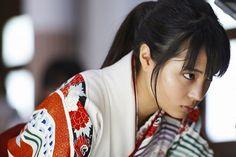 マイナビティーンズ @mynavi_teens 2月12日 『ちはやふる –上の句-』一般試写会に25組50名様ご招待‼主人公・綾瀬千早役は、映画初主演となる広瀬すずちゃんをはじめ、次世代の日本映画界を担う若手キャストが集結‼https://teens.mynavi.jp/challenge/chihayafuru … #ちはやふる