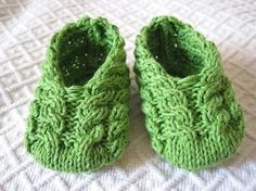 Free Knitting Patterns Baby Booties | Apple Baby Booties by MonPetitViolon | Knitting Pattern - Stricken kostenloses Muster für Babyschuhe -