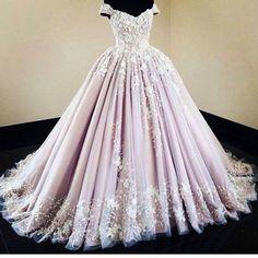 My #dreamweddingdress ❤️✨�� #weddingday #wedding #weddinggown #weddingdress #bridalgown #bridalinspiration photo credit: unknown http://gelinshop.com/ipost/1514905701213548942/?code=BUGBrV9DDGO