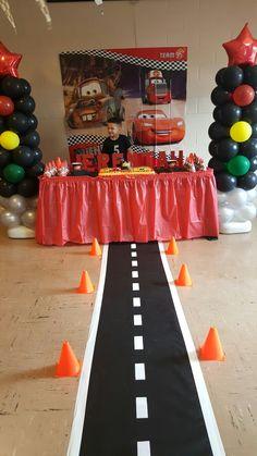birthday party disney lightning mcqueen new Ideas, Disney Cars Truck Table Idea Pixar Cars Birthday, Race Car Birthday, Monster Truck Birthday, Cars Birthday Parties, 3rd Birthday, Car Birthday Themes, Car Themed Birthday Party, Car Themed Parties, Birthday Ideas