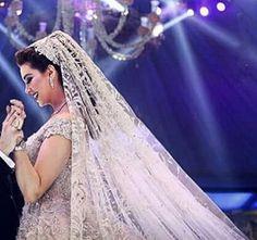 #lebaneseweddings lebaneseweddings . Wedding dress : Zuhair murad #zuhairmuradofficial.  photo brightight image Makeup artist : Bassam fattouh  #lebaneseweddings #royalwedding $arabweddings #luxuryweddings #royalweddingoals #lebaneseweddings #arabwedding