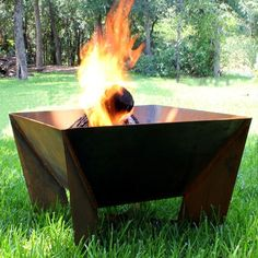 The Round Weathering Steel Outdoor Fire Pit Metal Fire Pit, Wood Burning Fire Pit, Diy Fire Pit, Fire Pit Backyard, Fire Pits, Fire Pit Gallery, Fire Pit Materials, Types Of Fire, Weathering Steel