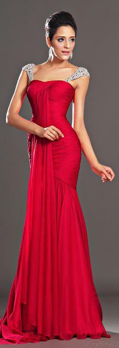 Stunning Red Evening Dress... @Rachel Burns Lashinsky but in black for the ball!