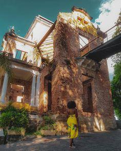 Transforme as pedras que você tropeça nas pedras de sua escada. ❤🍁 - - - 📍Parque das Ruínas - RJ ◾◾◾◾◾◾◾◾◾◾◾◾◾◾◾◾◾◾◾◾◾… Rock In Rio, Poses, South America, Brazil, Places To Visit, Around The Worlds, Architecture, City, Photography