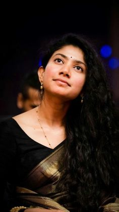 Sai Pallavi, Samantha Akkineni, Anushka Shetty, Radhika Pandit: Tollywood Actresses Who Stole Heart In Sexy Black Saree - IWMBuzz Beautiful Girl In India, Beautiful Girl Photo, Most Beautiful Indian Actress, Beautiful Actresses, Stylish Girl Images, Stylish Girl Pic, Couple Photography Poses, Girl Photography, Pakistani Hair