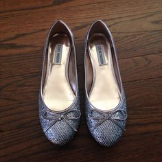 Steve Madden Silver Ballet Flats NWOT Excellent Condition, Worn Once. Size: 7.5 Color: Pewter Name: Grazi Fun silver detail and cute bow on top. P-Grazi Steve Madden Shoes Flats & Loafers