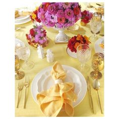 Coastal Table Decorating Easter Daisy Vintage Style ❤ liked on Polyvore featuring home, home decor, backgrounds and easter home decor