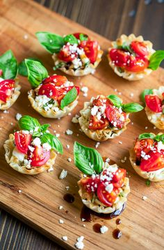I love a good no-bake, easy prep appetizer and these bite-sized bruschetta cups fit the bill! Crispy baked phyllo cups are filled with a tasty whipped feta spread kissed with lemon and topped with a bruschetta-style sprinkle of fresh tomatoes and basil. Quick And Easy Appetizers, Easy Appetizer Recipes, Healthy Appetizers, Potluck Appetizers, Healthy Foods, Dinner Recipes, Healthy Recipes, Balsamic Glaze Recipes, Bruschetta Toppings