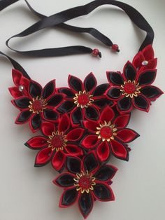 Kanzashi red and black flowers necklace, so pretty!
