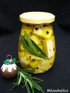 Gourmet Gifts, Christmas Cooking, Bottles And Jars, Feta, Good Food, Paleo, Food And Drink, Appetizers, Cooking Recipes