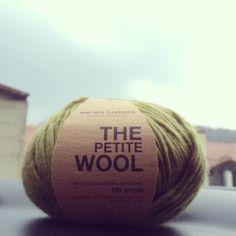 Ovillo de lana 100% peruana de #weareknitters #knit #knitting #knittingisthenewyoga #instaknit #wool #tejer #tejermola #handknitted #handmade #diy #yesweknit #wak #iknit #cotton #algodon #wakstyle