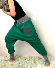 Green harem pants made of sweat with a star by OnniPalermo on Etsy