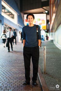 Name: Atushi / Sweater: HandM / Pants: John Lawrence Sullivan / Shoes: Prada / Bag: Coach / Watch: Issey Miyake