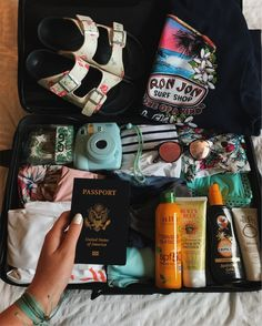 things to pack for travelling , bag pack ideas, things to take for travelling, things to pack. - VSCO Girl refers to a specific visual embraced by people who utilize the VSCO image editing application. The visual is primarily explained by … … - Vacation Packing, Packing List For Travel, Travel Checklist, Summer Aesthetic, Travel Aesthetic, Travel Backpack, Travel Bags, Travel Bag Essentials, Vsco Essentials