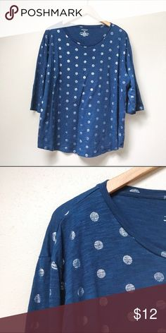 Polka Dot 3/4 Sleeve Tee Fun, functional, and trendy, this 3/4 length tee features silver polka dots on a deep blue background. Perfect with jeans, skirts, or for layering, and in excellent pre-loved condition.  ✅Offers 🚫Trades 🚫Modeling Sonoma Tops