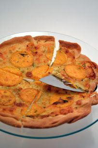 Mrs Ellwood's Simple Life: Sweet Potato Pizza with Rosemary Garlic Butter