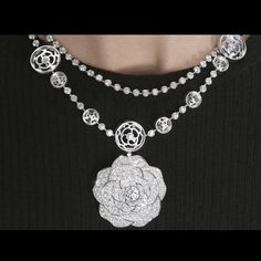 Chanel 1 5 Cristal Illusion white gold and diamond necklace double row Book Jewelry, Chanel Jewelry, Gems Jewelry, High Jewelry, Chanel Flower, Sterling Necklaces, Silver Necklaces, Diamond Necklaces, Silver Jewelry