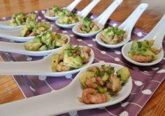 lepelhapje van avocado, appel en garnaal Party Food Catering, Party Food And Drinks, Snacks Für Party, Tapas, Best Appetizers, Appetizer Recipes, Healthy And Unhealthy Food, Deli Food, Good Food