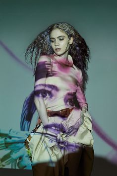Canadian singer and visual artist Claire Elise Boucher, known professionally as Grimes, is the cover star of Flaunt Magazine Issue 165 captured by Zoey . Flaunt Magazine, Claire Boucher, Five Friends, Real Queens, Alfred Stieglitz, Old Music, I Am Scared, Music Artists, Role Models