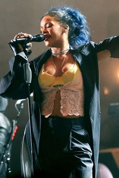 At [i]CBS Radio's[/i] third annual [i]We Can Survive[/i] concert, Rihanna debuted her new blue 'do. Scraped up in a messy pony-tail, the dark blue colour had people talking. We predict style copycats galore.