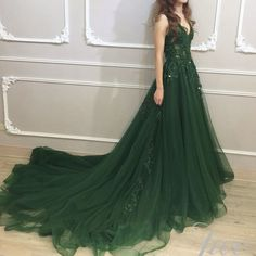 Candy Color emerald green plus size wedding dresses a line V Neck vestido invitada boda Long Robe De Soiree 2018 Custom Made Green Wedding Dresses, Grad Dresses, Evening Dresses, Formal Dresses, Emerald Green Wedding Dress, Straps Prom Dresses, Vestidos Color Verde Esmeralda, Pretty Dresses, Beautiful Dresses