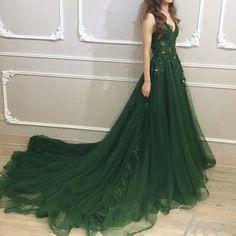 Candy Color emerald green plus size wedding dresses a line V Neck vestido invitada boda Long Robe De Soiree 2018 Custom Made Deb Dresses, Grad Dresses, Pretty Dresses, Beautiful Dresses, Evening Dresses, Formal Dresses, Green Wedding Dresses, Emerald Green Wedding Dress, Fantasy Gowns