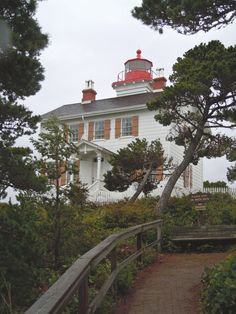Yaquina Bay Lighthouse in Newport, OR.