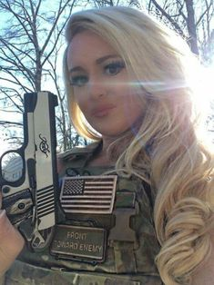 Airsoft hub is a social network that connects people with a passion for airsoft. Talk about the latest airsoft guns, tactical gear or simply share with others on this network Girls Rules, N Girls, Girls In Love, Army Girls, Pinup, Shooting Guns, Female Soldier, Warrior Girl, Military Women
