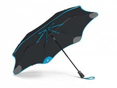 Trackable & Durable Umbrella by Blunt