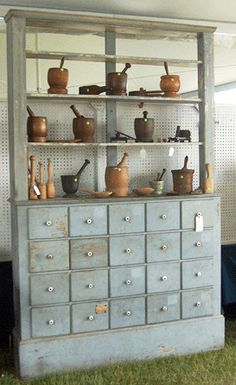 Great apothecary cabinet for the Mortise & Pestles - for when I drop architecture and pursue witchcraft instead ; Primitive Furniture, Antique Furniture, Painted Furniture, Primitive Antiques, Primitive Country, Shaker Furniture, Vintage Medical, Mortar And Pestle, Cubbies
