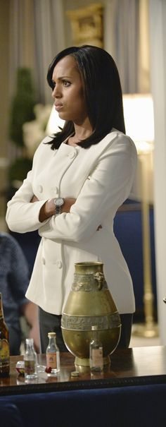 Giorgio Armani Autumn Winter White silk Jacket - worn by Olivia Pope (Kerry Washington) on Scandal, season 4, episode 2.
