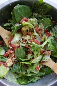 That Good Salad | Lauren's Latest - t has all things delicious in it: avocado, bacon, tomato, toasted almonds, croutons and a very garlicky dressing!
