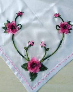 . . #igneoyasi #istanbul #tesbih #tesbihkutusu #ceyizlik #crochet #ribbon #ribbonembroidery #tutorial #diycrafts #amigurumi #roses #lovely #lovers #istanbul #ismek #handmade #art #artcrawl #artcraft  #turkey #photooftheday #picoftheday #diy #handmade #artcraft #artcrawl #lace #diycrafts #rihanna #ladygaga #dantelanglez #necklace #jewellery #tbt by sefanuravci