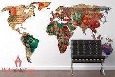 Adesivo Mapa Mundi para você conhecer o mundo sem sair de casa. A sala de estar vai ganhar uma decoração perfeita com esse fantástico adesivo de parede Mapa Mundi. Ele revela com autenticidade os traços do mapa mundial que possui um linda forma global. É feito por bandeiras que representa cada país e provoca um belíssimo visual além de ser prático e informativo.