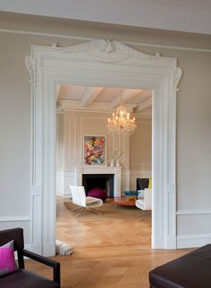 Historic Apartment Meets Modern Times in interior design architecture. Interior Architecture, Interior And Exterior, Staircase Architecture, Brown Interior, Modern Staircase, Interior Ideas, Loft Design, House Design, Casa Milano